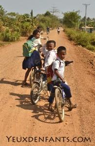 Battambang - Sortie d'école