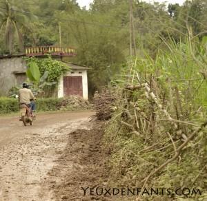 Region de Cam Thuy - Chemin de boue