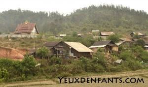 Région de Sam Neua - Vie de village