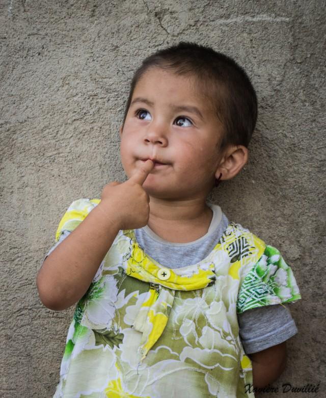 Cheveux courts et oreilles percées – Région de Shahrisabz – Ouzbékistan
