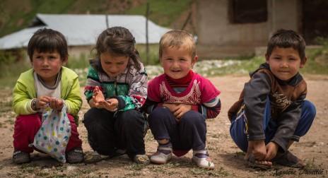 Bonbons à partager… – Région de Kalaykhusayn – Tajikistan