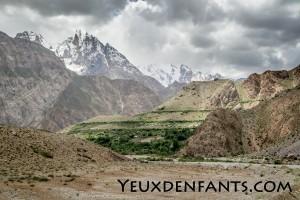 De Qalai Khum à Khorog - Quand la roche domine...