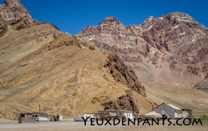 Entre Alichur et Murghab - Village à flanc de montagne