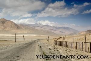 Vers la frontière kirguize, vers le retour au vert...