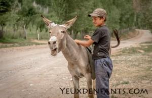 Entre Dushambé et Qalai Khum - Le sérieux d'un jeune au travail