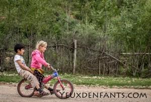 Entre Dushambé et Qalai Khum - Tous à vélo !